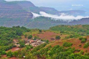 From Dancing Peacocks To Natural Potholes – Experience Rural Maharashtra